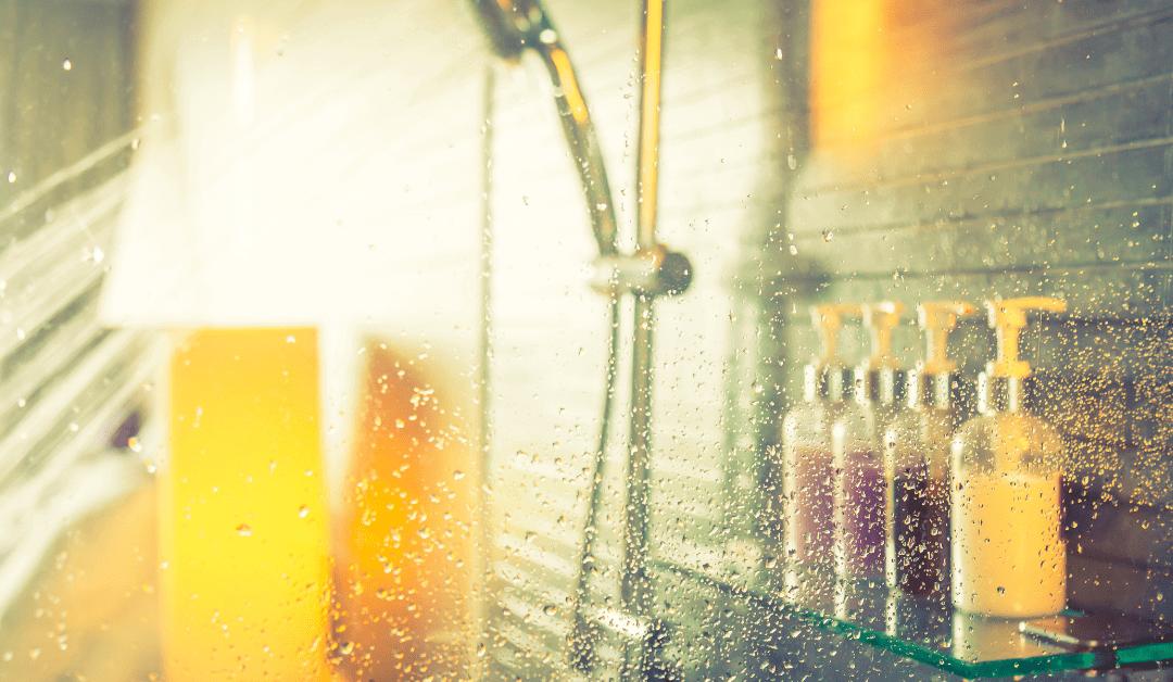 Zuhanykabin tisztítás gyorsan és egyszerűen, az Easy Clean BEVONAT segítségével